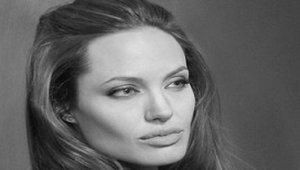 Что скрыла Анджелина Джоли?
